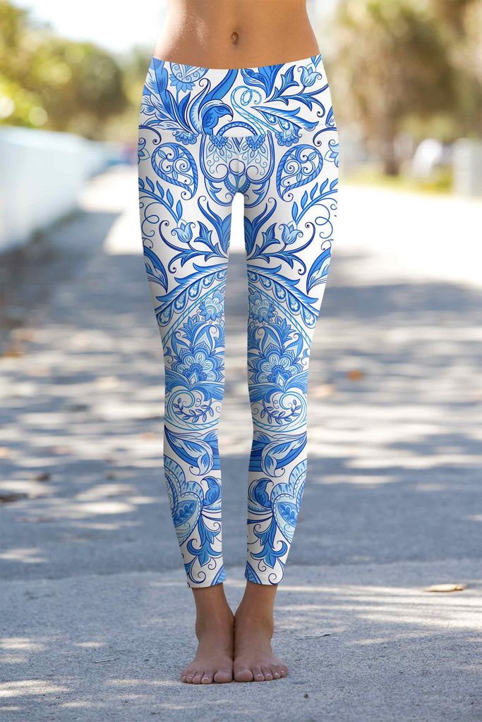 363e7e9c4c605 Santorini Lucy White Blue Floral Print Leggings Yoga Pants - Women –  Pineapple Clothing