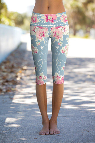 Serenity Ellie Floral Performance Yoga Capri Leggings - Women