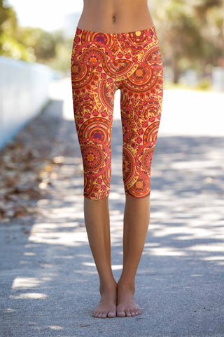 Solis Ellie Bohemian Print Performance Yoga Capri Leggings - Women - Pineapple Clothing