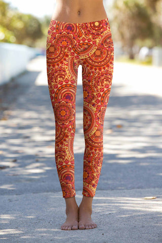 Solis Lucy Printed Performance Yoga Leggings - Women - Pineapple Clothing