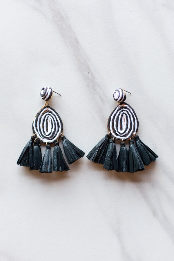 Hypnotize Earrings- Black & White