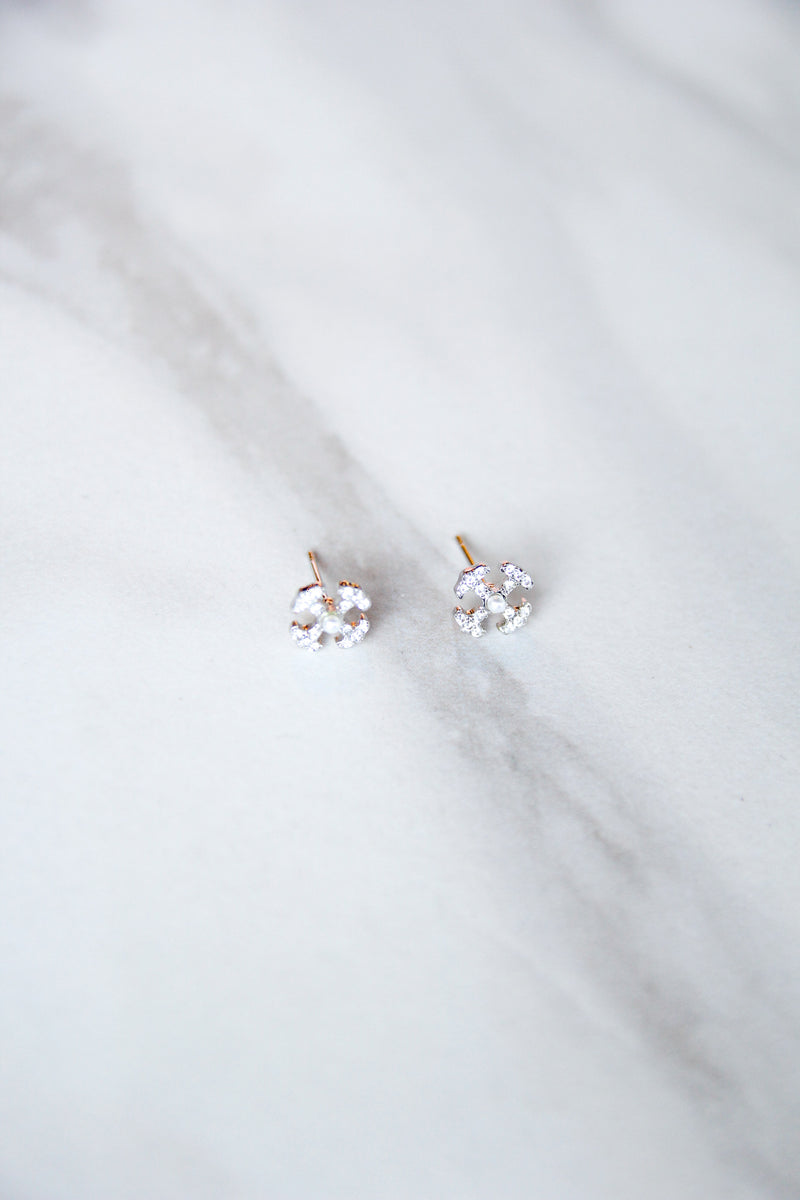 Kate Studs - Silver