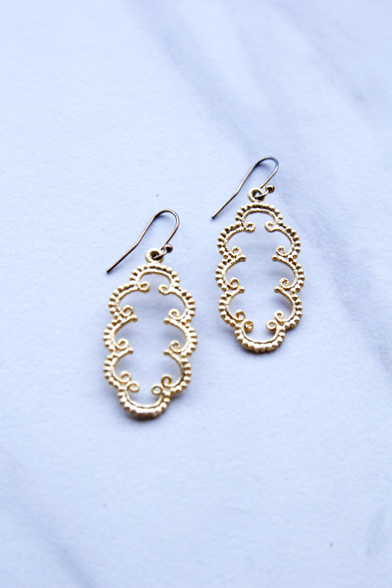 Curly  Earrings - Gold