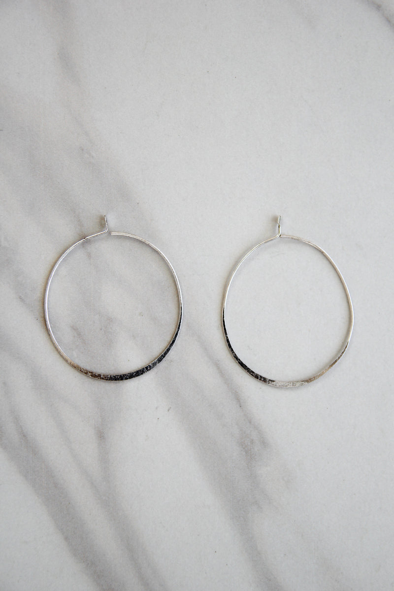 Hammered Detail Hoops Earrings - Silver