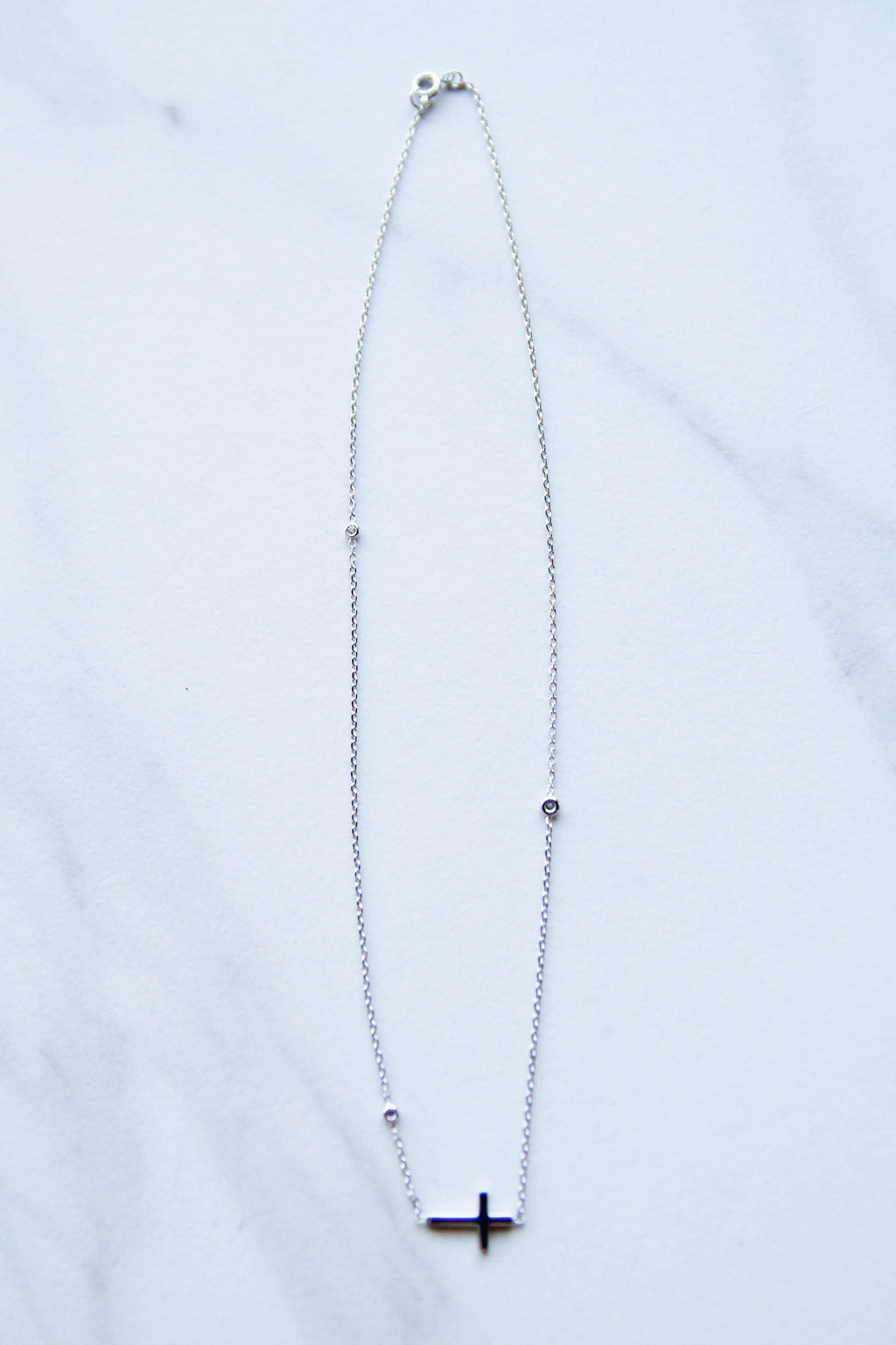 Simple With Shine Cross Necklace - Silver