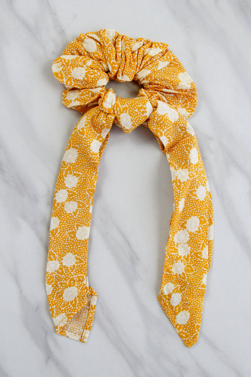 Amuse Society Up & Back Scrunchie - Gold