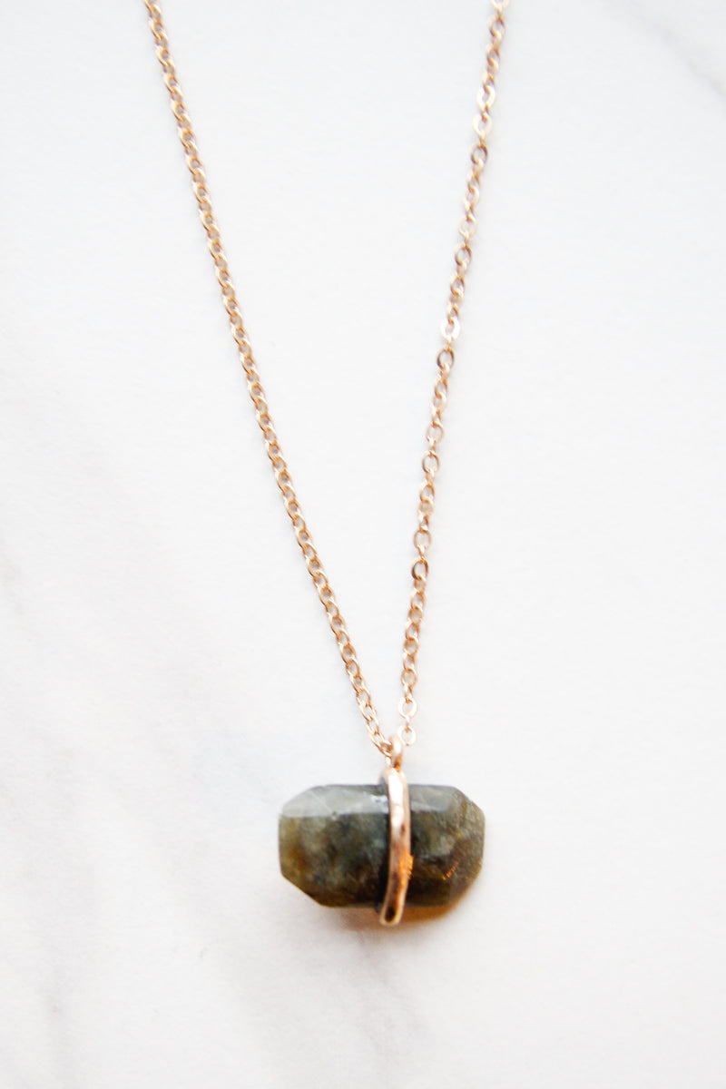 Grey hues necklace