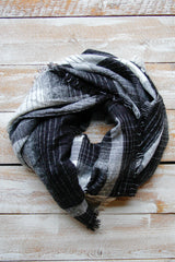 Black Plaiditude Scarf