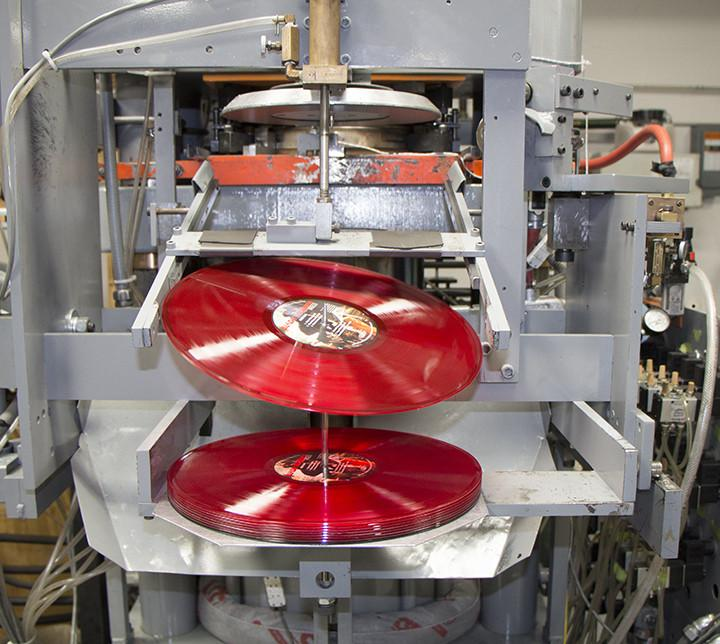 How Are Vinyl Records Made? 🤔