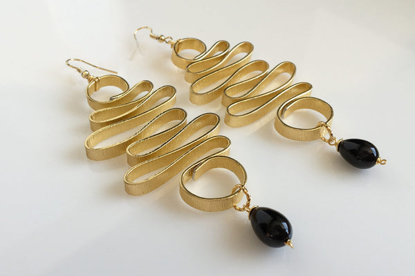 EMERALD GOLD - BLACK STONES EARRINGS WITH SEMI PRECIOUS STONES