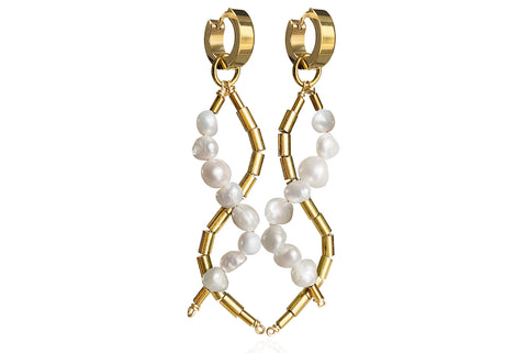 IDIS WHITE EARRINGS WITH FRESHWATER PEARLS & STAINLESS STEEL HOOPS
