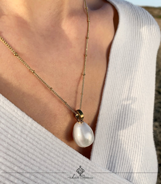 LORA NECKLACE WITH MOTHER OF PEARL & STAINLESS STEEL