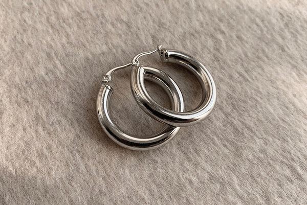 SIGNATURE STAINLESS STEEL SILVER HOOPS 3CM