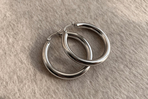 SIGNATURE STAINLESS STEEL SILVER HOOPS 4CM