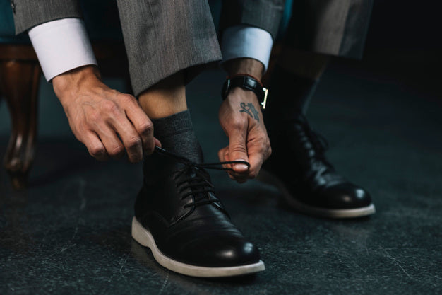 Men Want to Know: Should socks match my shoes?