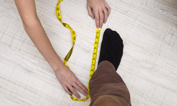 measuring feet
