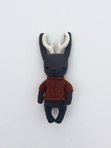 woolen jackalope soft toy – dark grey with orange sweater