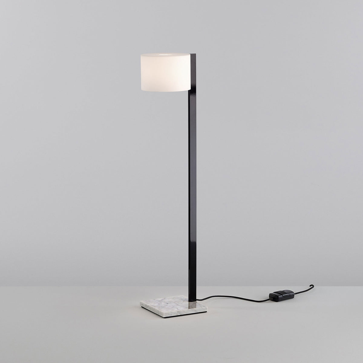 Beta P Floor Lamp - Monologue London
