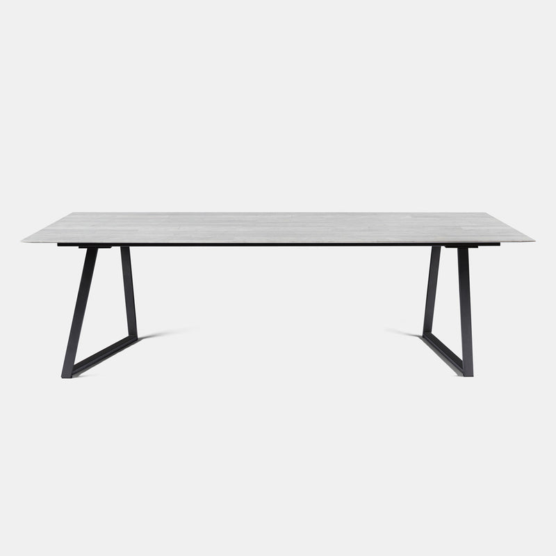 Dritto Dining Table