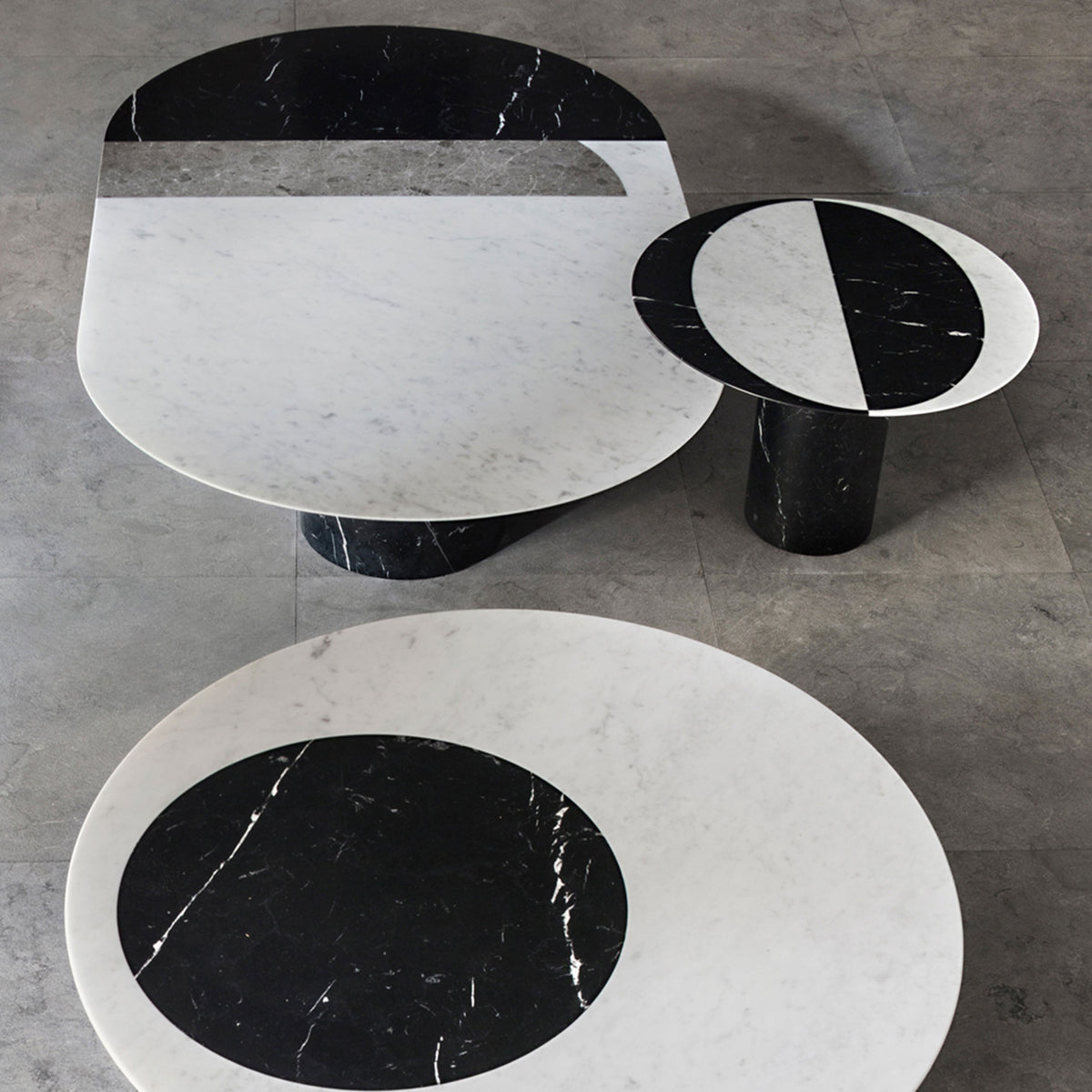 Proiezioni Oval Coffee Table - Black