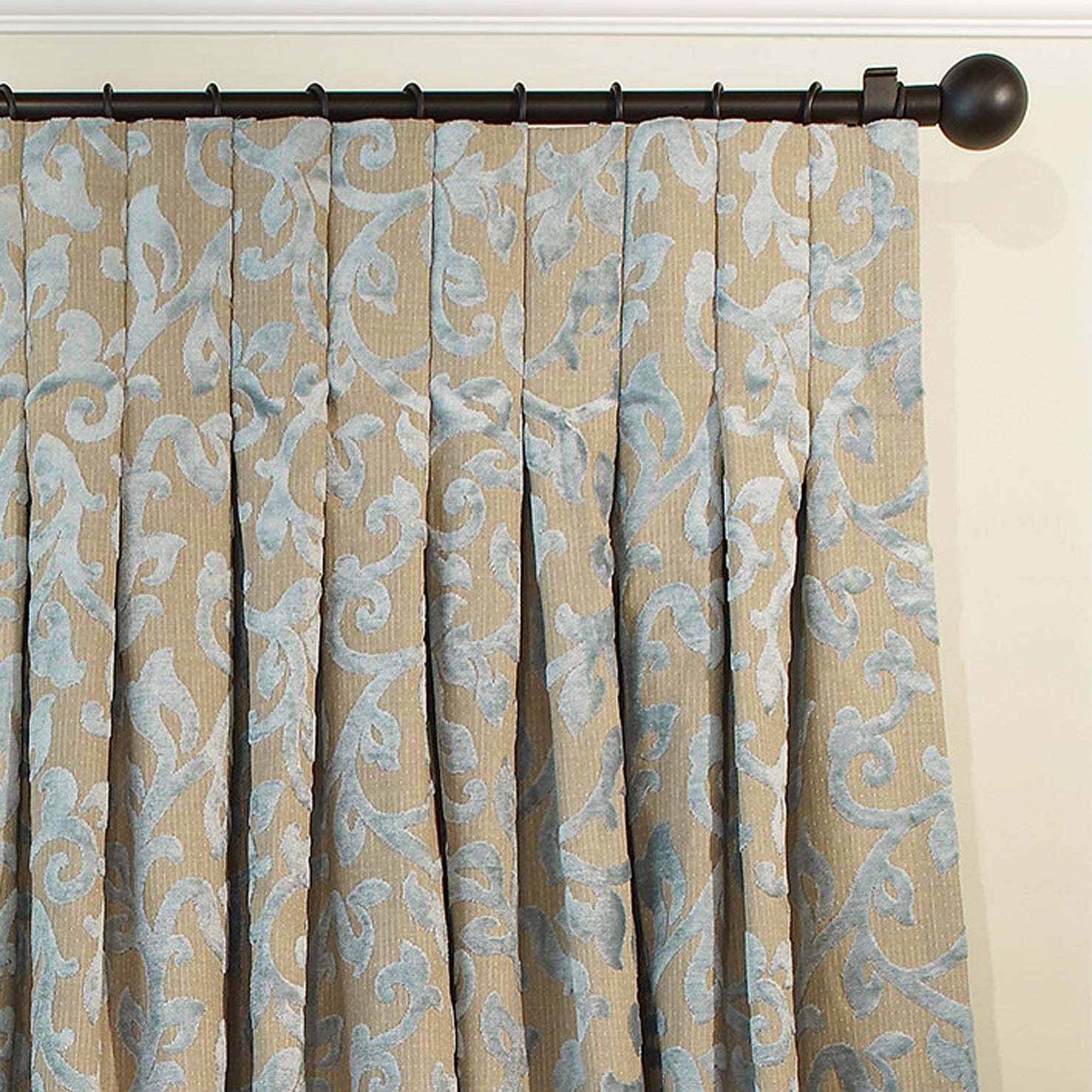 From custom pinch pleat drapes to grommet curtains find for Spiffy spools