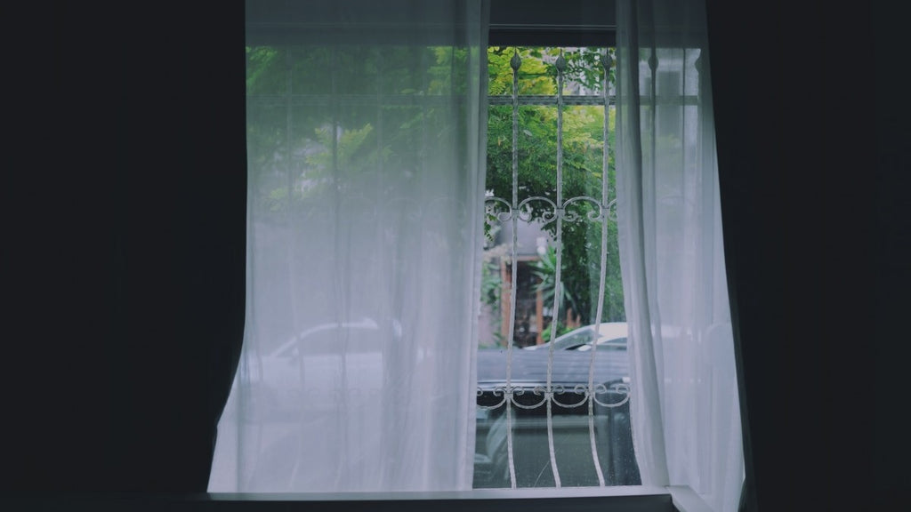 Blackout Curtains Vs Shades The Essential Guide Spiffy Spools