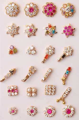Different Nose pin designs trending