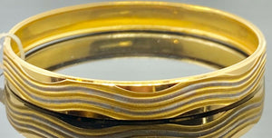 22k Bangle Solid Gold Simple Ladies Two Tone Wavy Pattern Design BR84