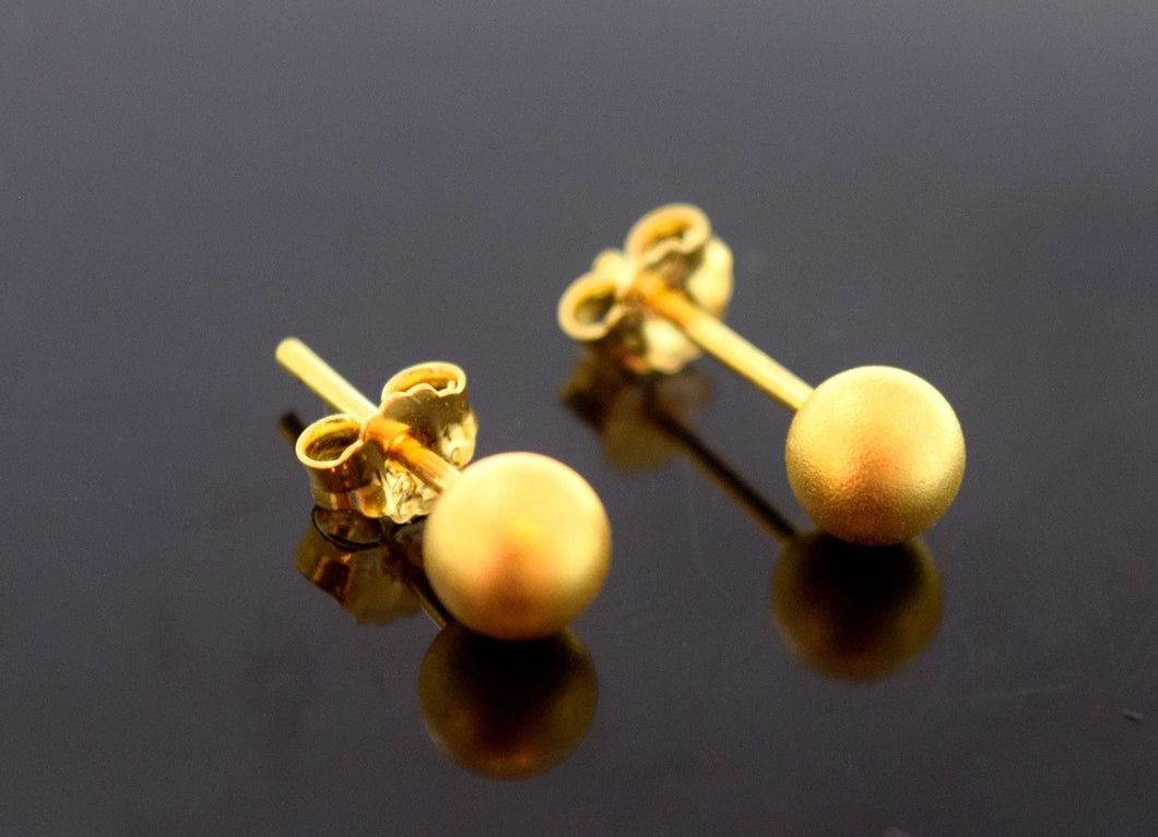 22k 22ct Solid Gold ELEGANT BALL STUD MATT POLISH EARRINGS E2031 - Royal Dubai Jewellers