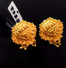 22k 22ct Solid Gold ELEGANT TRADITIONAL TOPS EARRINGS with free box E862 - Royal Dubai Jewellers