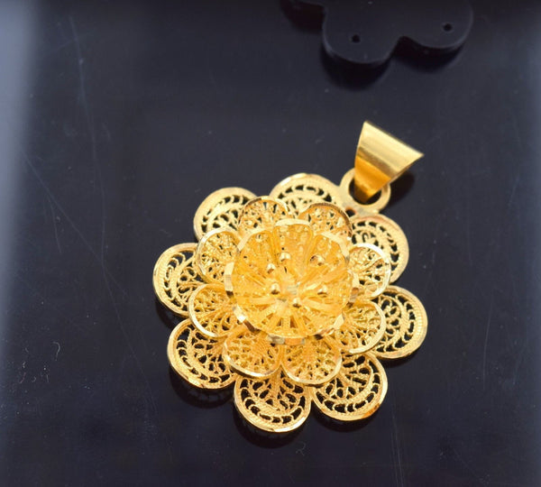 22k 22ct Solid Gold ASSORTED FLOWER 3D ROUND pendant locket p585 - Royal Dubai Jewellers