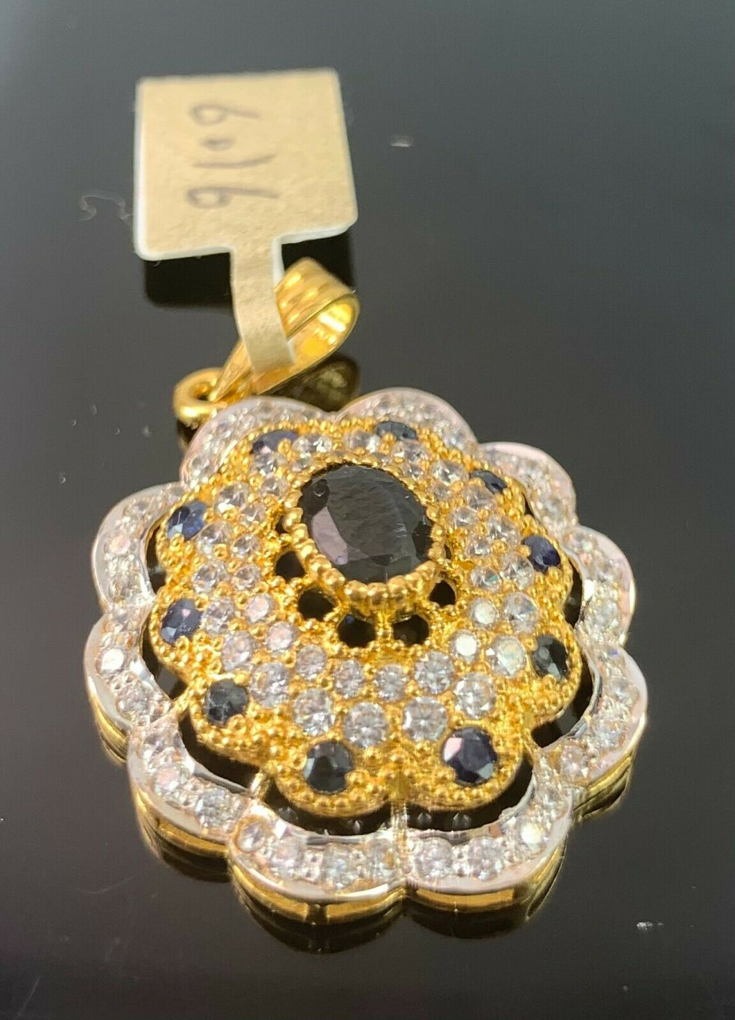 22k Pendant Solid Gold Elegant Floral Filigree With Onyx Stones Design P502