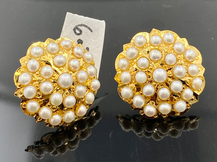 22k Solid Gold Earrings Studs With White Precious Stone Floral Design E6850 - Royal Dubai Jewellers