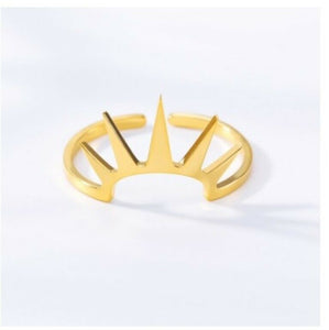 Ladies Solid Gold Ring Simple Lady Of Liberty Crown Design SM19