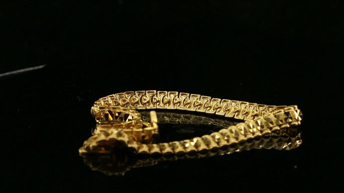 22k Bracelet Solid Gold Simple Exquisite Pattern Design LENGTH 8.5 inch B1062 | Royal Dubai Jewellers