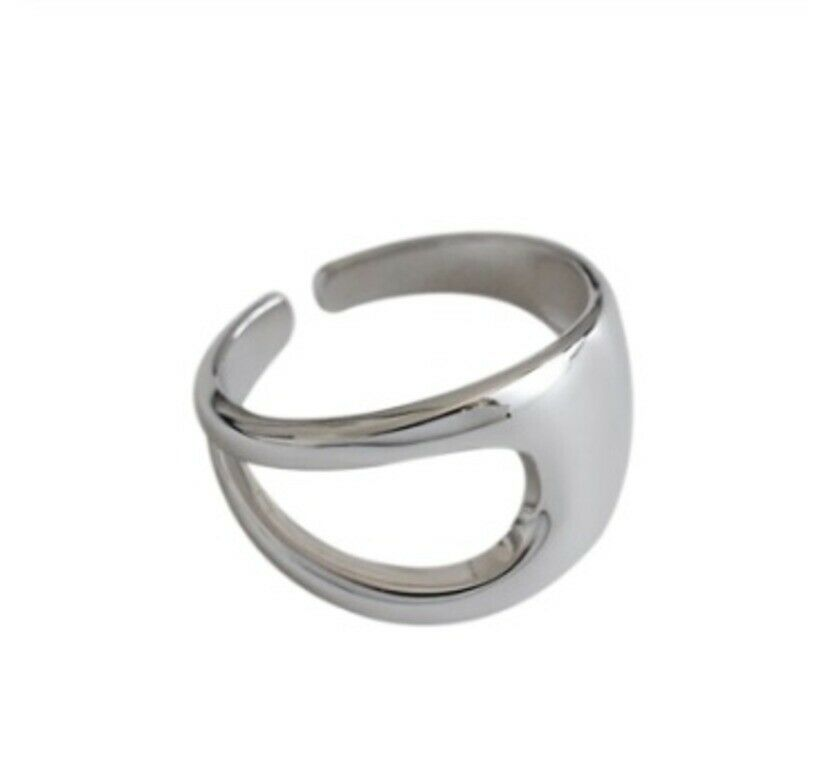 Solid White Gold Ladies Ring Elegant Geometric Modern Design SM29