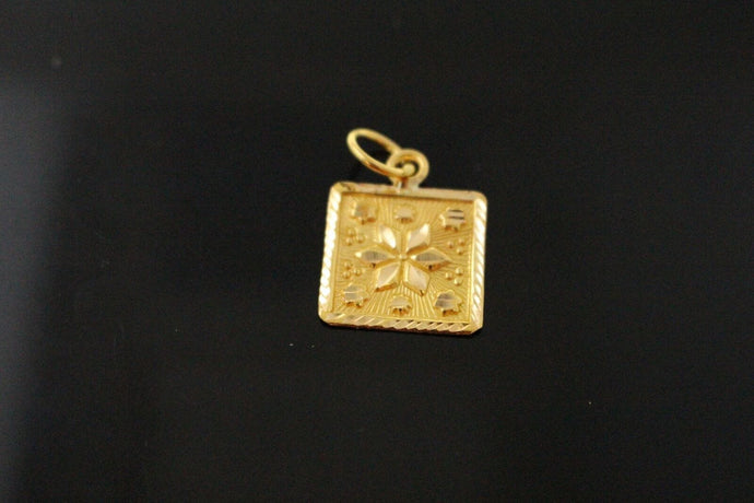 22k 22ct Solid Gold Elegant Charm Square Pendant Charm Diamond Cut p1006  ns | Royal Dubai Jewellers