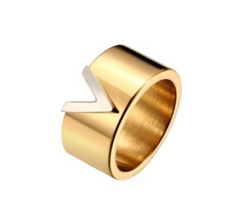Solid Gold Ladies Ring Elegant V Symbol Modern Band SM18