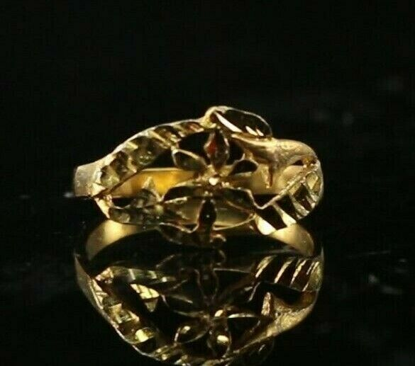 22k Ring Solid Gold ELEGANT Charm Ladies Floral Band  SIZE 5