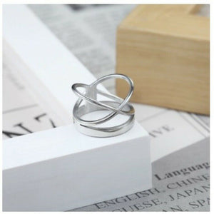 Solid White Gold Ladies Ring Elegant Geometric Modern Design SM33