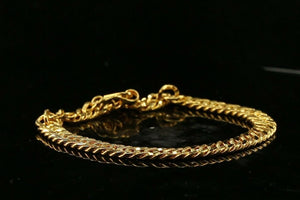 22k Bracelet Solid Gold Simple Charm Curb Design LENGTH 8 inch B1059 | Royal Dubai Jewellers