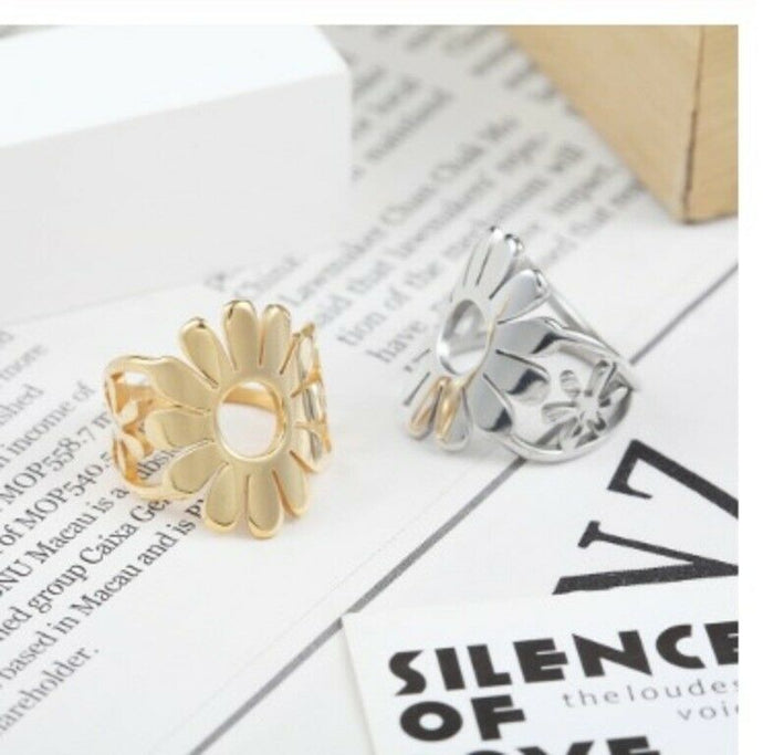 Solid Gold Ring Simple Lucky Four Leaf Clover Heart Design SM9