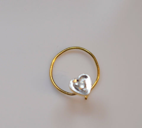 Authentic 18K Yellow Gold Heart Nose Ring Round-Cut-Diamond VS2 n063 | Forever22karat