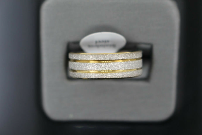 18k Solid Gold Elegant Ladies Modern Sand Finish Band Ring R9238m | Royal Dubai Jewellers