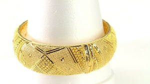 22k Bangle Solid Gold Simple Dazzling Wide Face Concave Filigree Design B4185