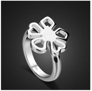 Solid White Gold Ring With Simple Floral Face Design SM12