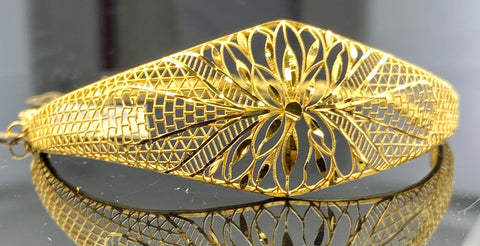 21k Bracelet bangle Solid Gold Ladies Floral Design with Geometric Cut B 540 - Royal Dubai Jewellers