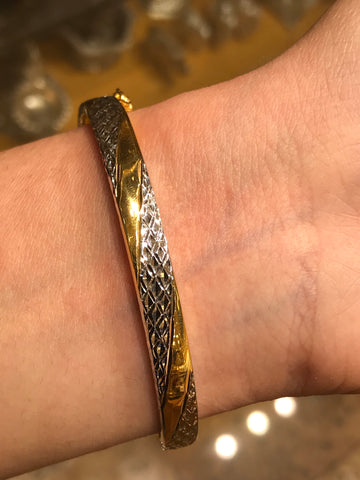 22k Solid Gold Modern Ladies Posh Bangle Two Tone Sparkly Design Br1124