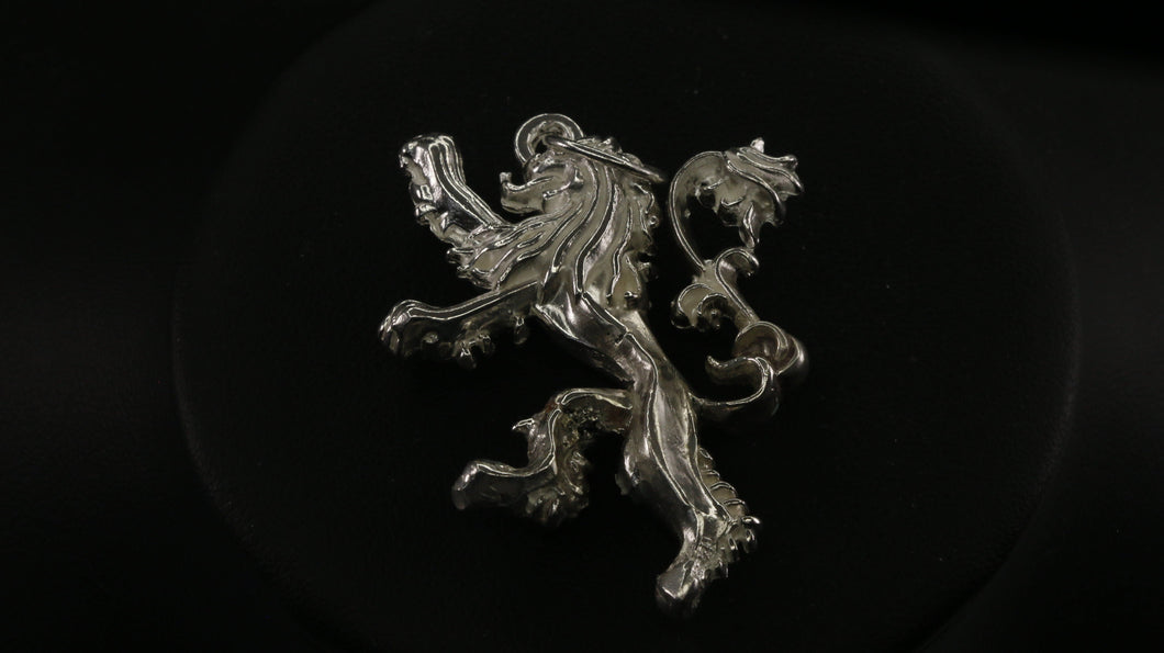 Game Of Thrones House of Lannister Pendant | Royal Dubai Jewellers