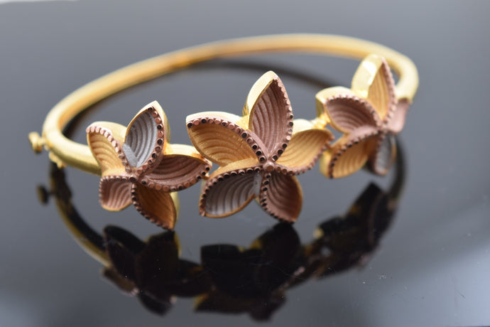 22k Three Tone Floral Bangle br148